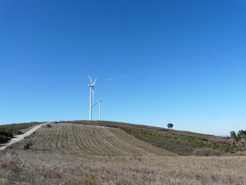 (Portugal) Construction du parc éolien du Sabugal - Page 8 1202090501151449089415619.jpg
