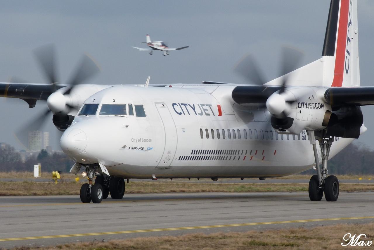 "Spotting du 17.02.2012 : Onur ""20th years"", Easy ""Pride of Lisbon"", B739, A333, B772... 1202180143131438369453579"
