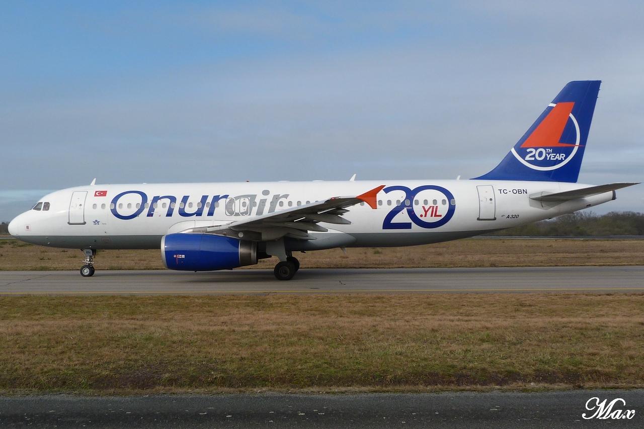 "Spotting du 17.02.2012 : Onur ""20th years"", Easy ""Pride of Lisbon"", B739, A333, B772... 1202180143141438369453584"