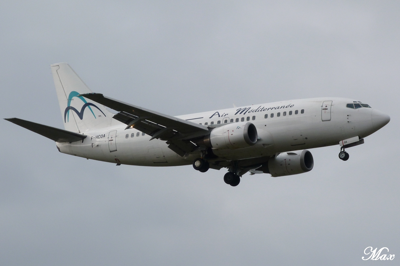 "Spotting du 17.02.2012 : Onur ""20th years"", Easy ""Pride of Lisbon"", B739, A333, B772... 1202180156561438369453602"