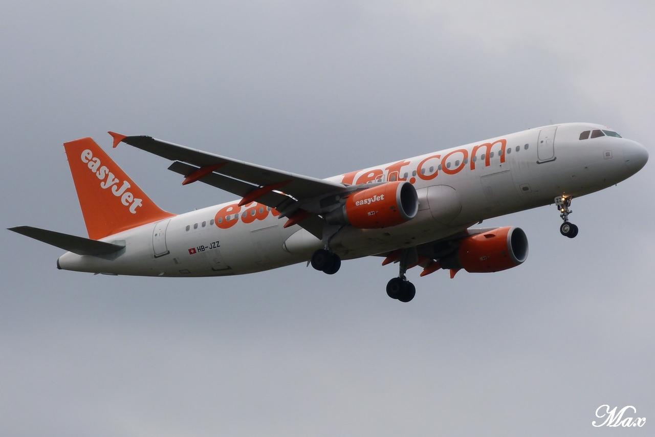 "Spotting du 17.02.2012 : Onur ""20th years"", Easy ""Pride of Lisbon"", B739, A333, B772... 1202180156561438369453603"