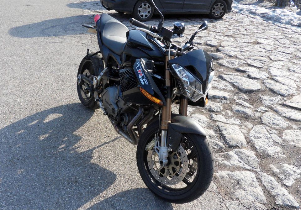TnT 899 '08 full black  120304124405157879530906