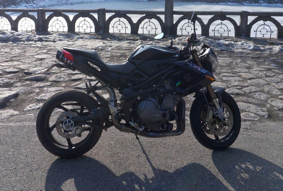 TnT 899 '08 full black  120304124405157879530907