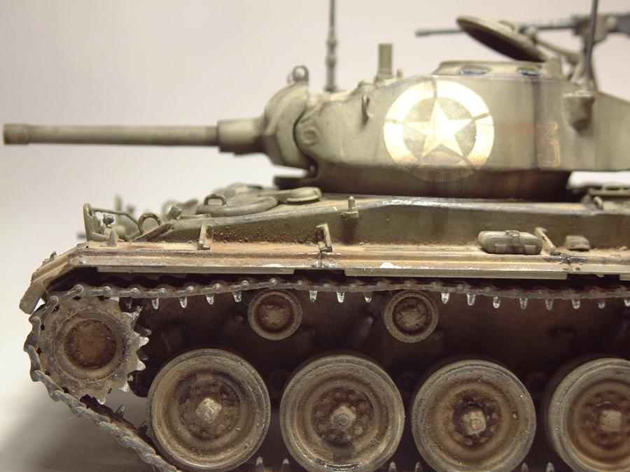 M-24 Chaffee - 1/35e - [Italeri] 1703060736594769014895771