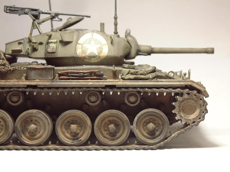 M-24 Chaffee - 1/35e - [Italeri] 1703060737394769014895775