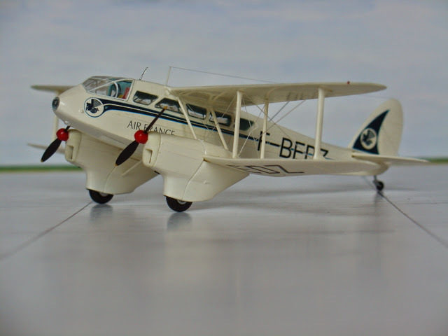 DH-89 Dragon Rapide - Swissair - Kit Heller 1/72 1704091022259175514972454