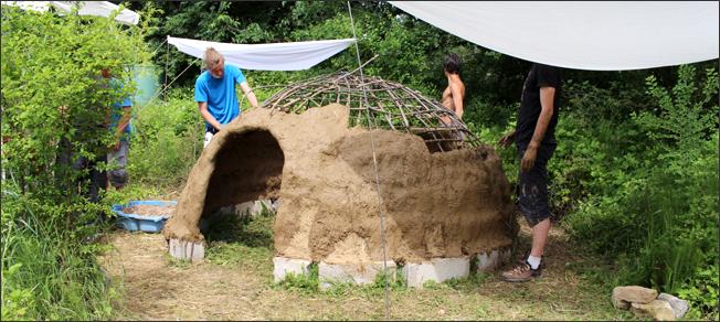 Habitats alternatifs, cabanes et huttes - Page 6 1706230827018188915109748