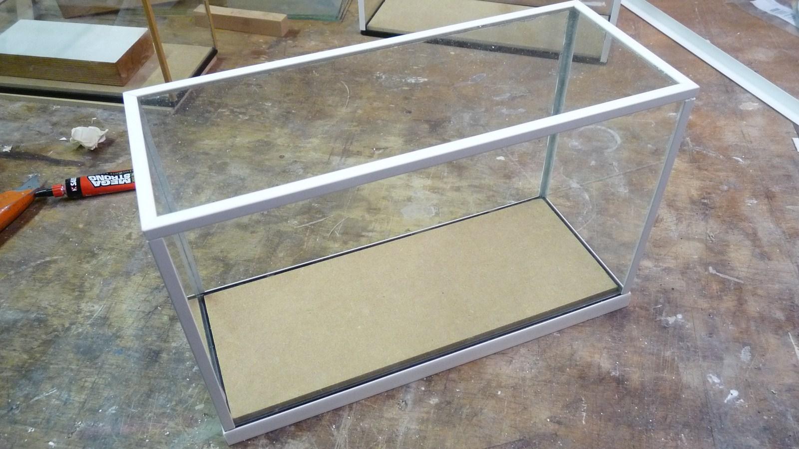 fabriquer une vitrine - Fabriquer ses propres vitrines en verre 17071907271023134915156558