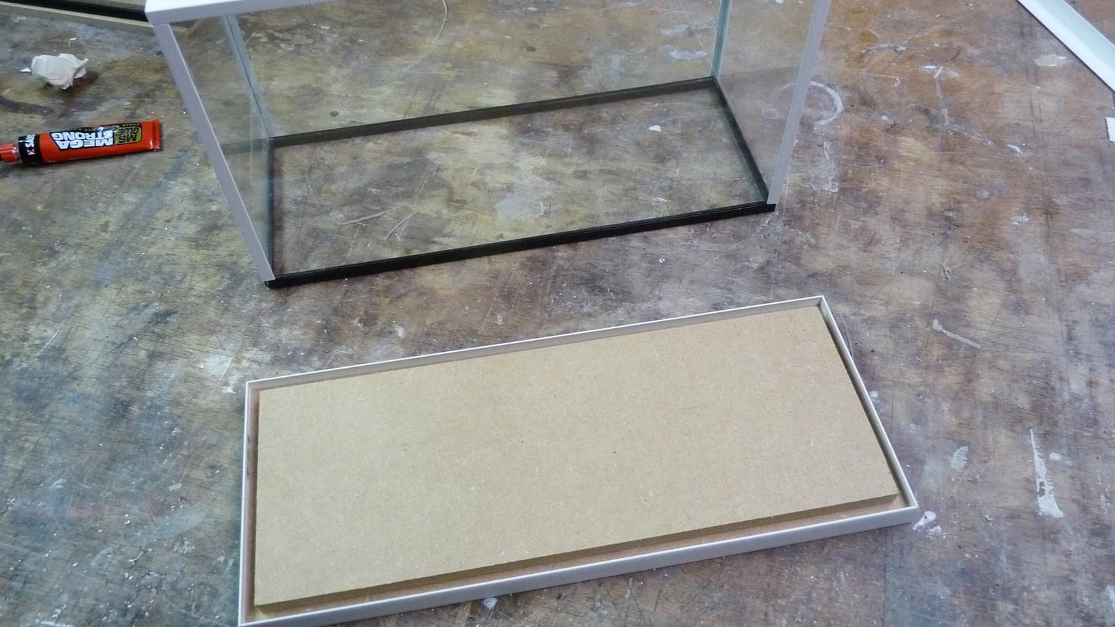 fabriquer une vitrine - Fabriquer ses propres vitrines en verre 17071907271423134915156559