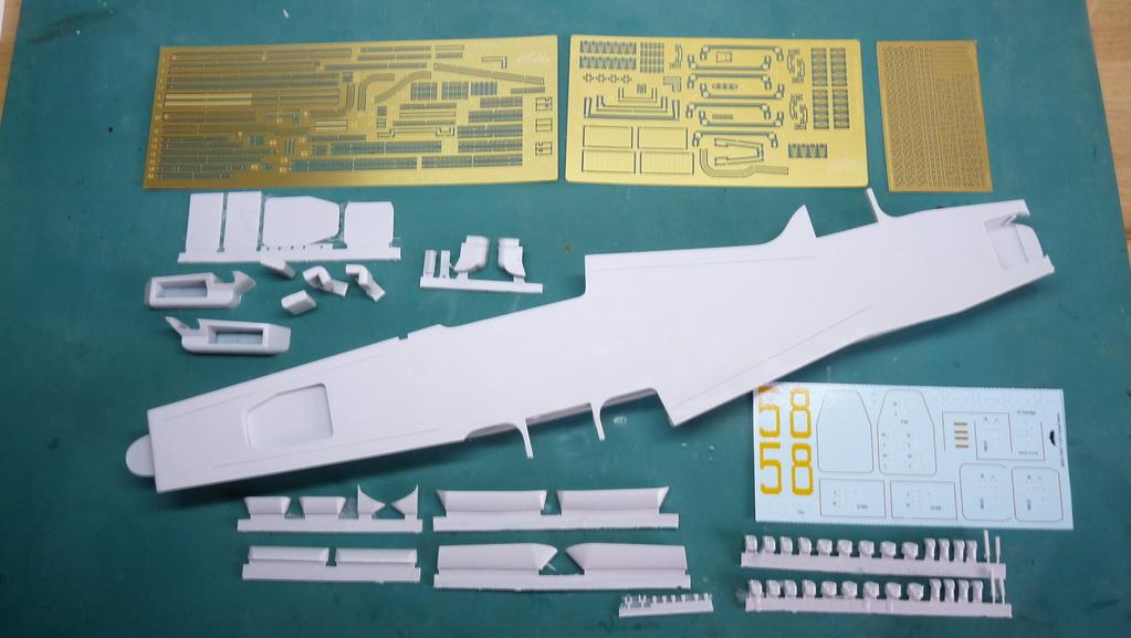 [Blue Ridge] Porte-avions USS United States CV-58, kit résine, 1-700e 17072012004523134915157397