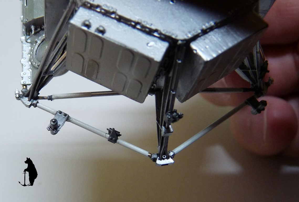 Crash-test planétaire : la sonde lunaire Ranger 8 au 1/24e 17072103242123134915160176
