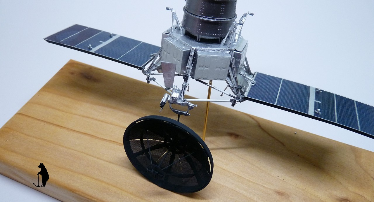 Crash-test planétaire : la sonde lunaire Ranger 8 au 1/24e 17072103244523134915160187