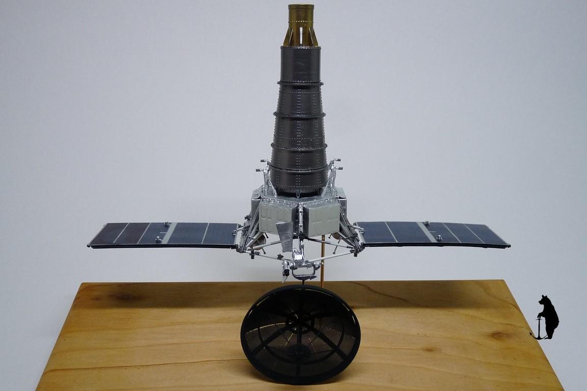 Crash-test planétaire : la sonde lunaire Ranger 8 au 1/24e 17072103245123134915160190
