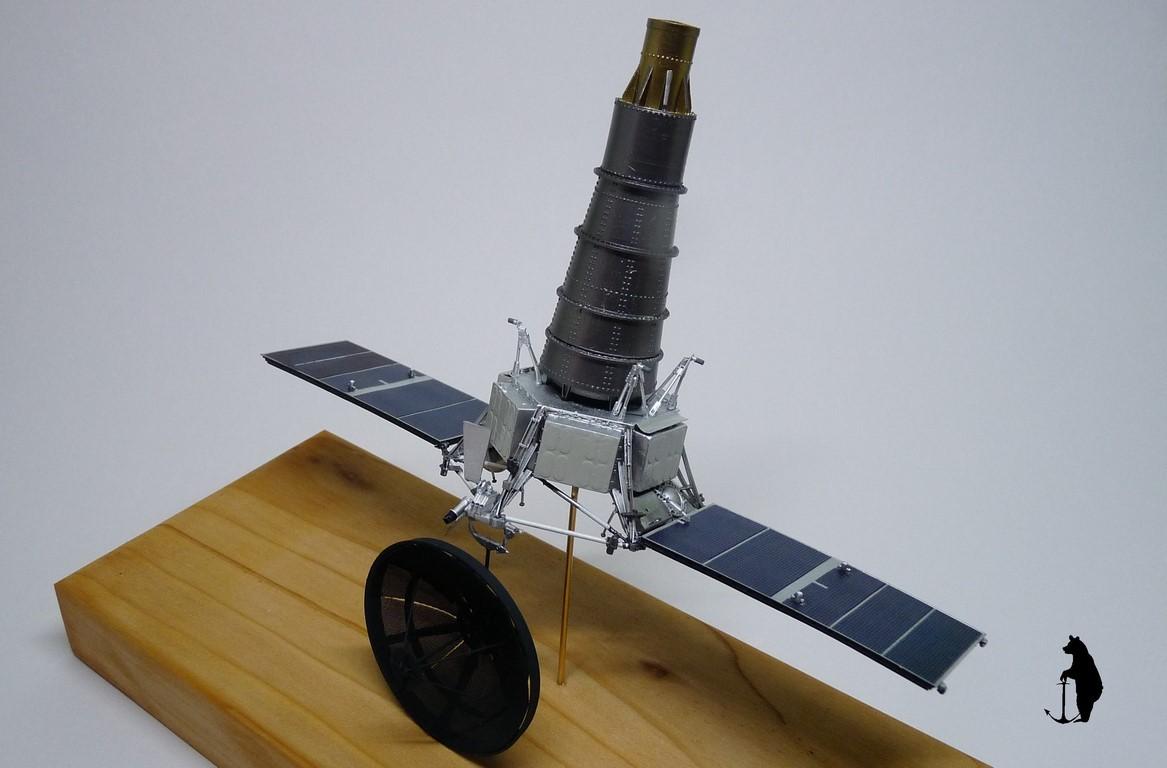 Crash-test planétaire : la sonde lunaire Ranger 8 au 1/24e 17072103245223134915160191