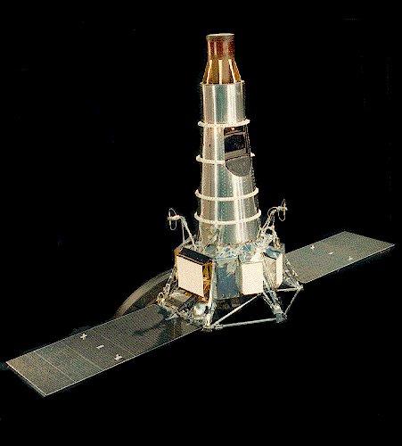 Crash-test planétaire : la sonde lunaire Ranger 8 au 1/24e 17072103323823134915160238