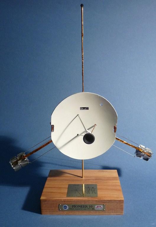 Envoyons-nous en l'air avec Pioneer 10 [1/24e RealSpace Models]  17072112463623134915159350