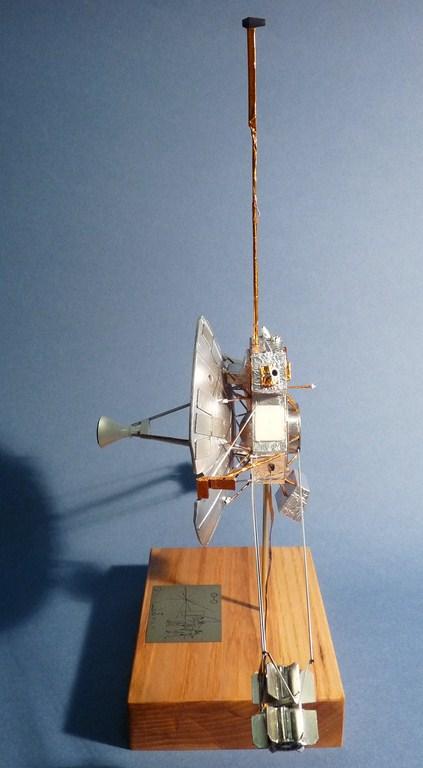 Envoyons-nous en l'air avec Pioneer 10 [1/24e RealSpace Models]  17072112463723134915159352