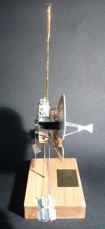 Envoyons-nous en l'air avec Pioneer 10 [1/24e RealSpace Models]  17072112465323134915159364