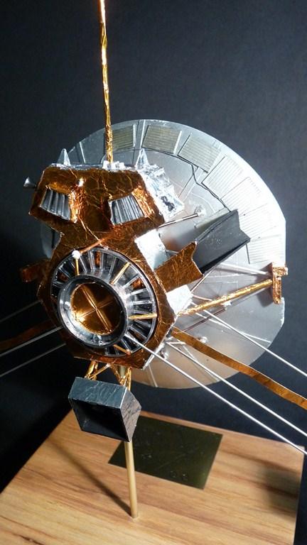 Envoyons-nous en l'air avec Pioneer 10 [1/24e RealSpace Models]  17072112465423134915159365