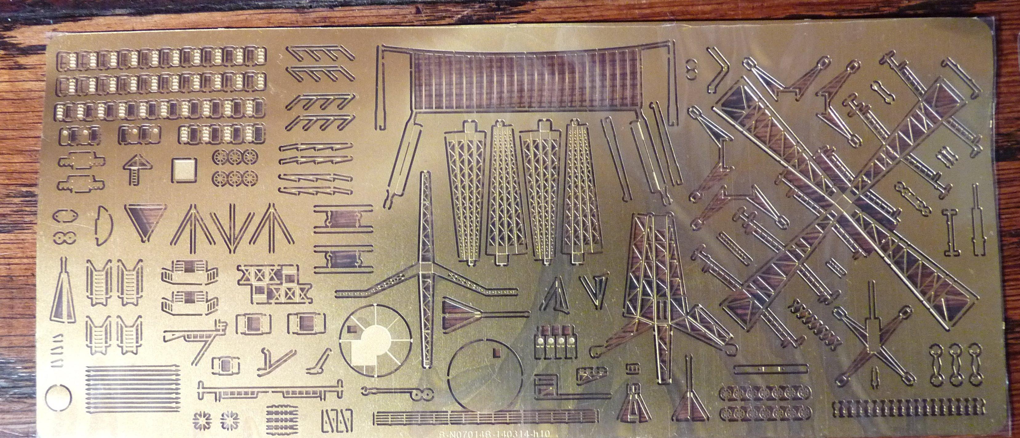 [HMS Victorious après refonte] 1/700e maquette Orange Hobby 17072112555223134915159377