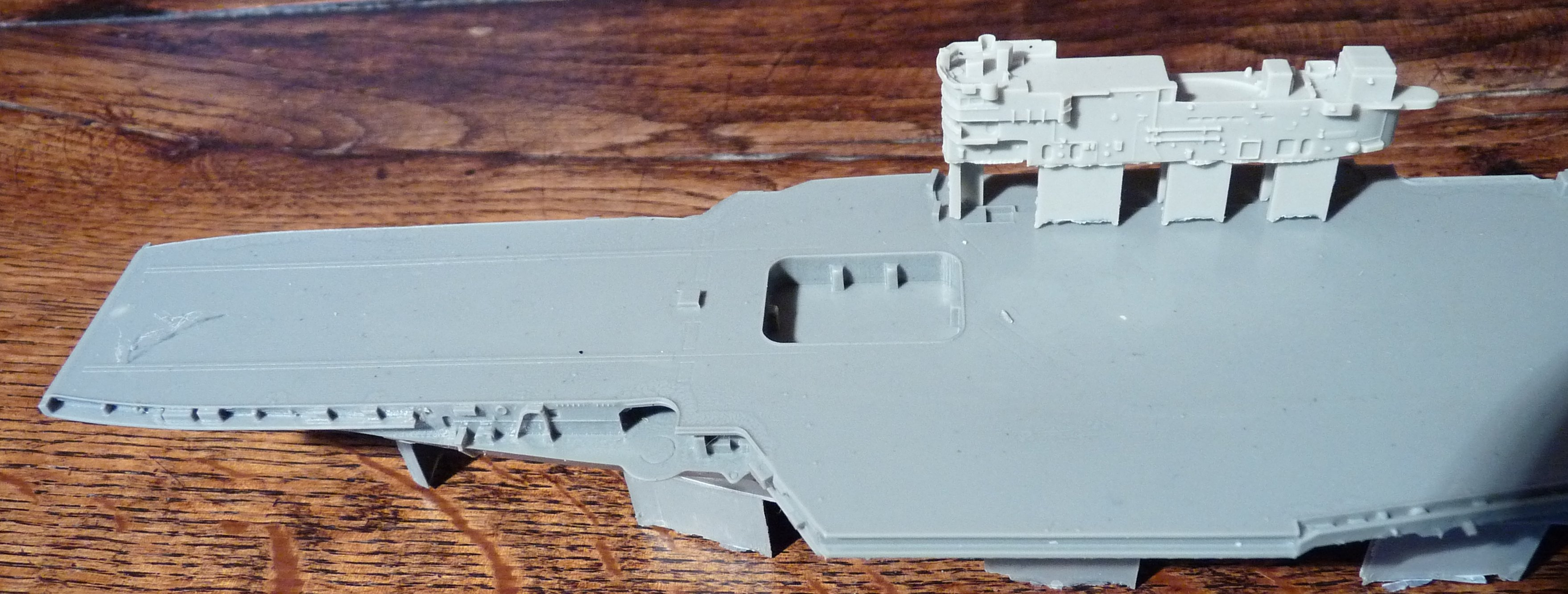 [HMS Victorious après refonte] 1/700e maquette Orange Hobby 17072112560923134915159379