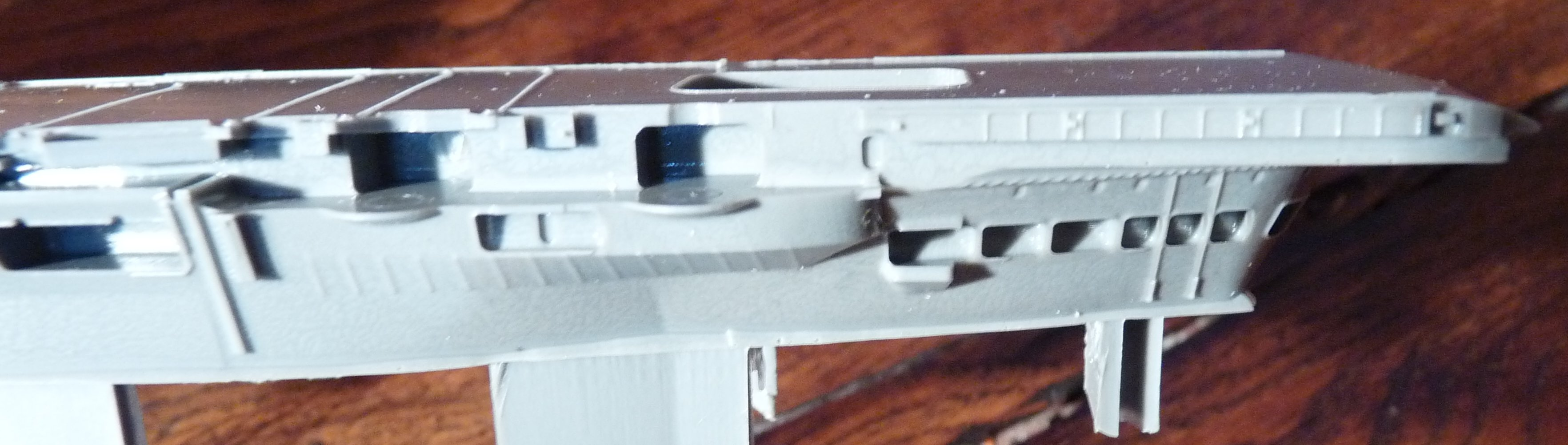 [HMS Victorious après refonte] 1/700e maquette Orange Hobby 17072112562323134915159382