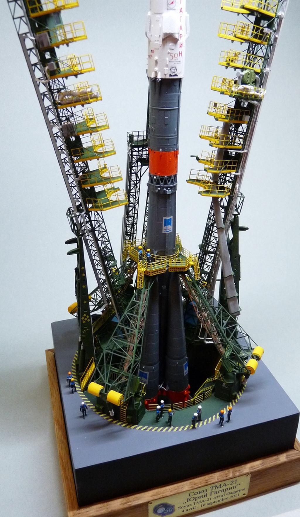 La fusée russe Soyouz TMA-21 sur son pas de tir au 144e  - Page 2 17072607324423134915172627