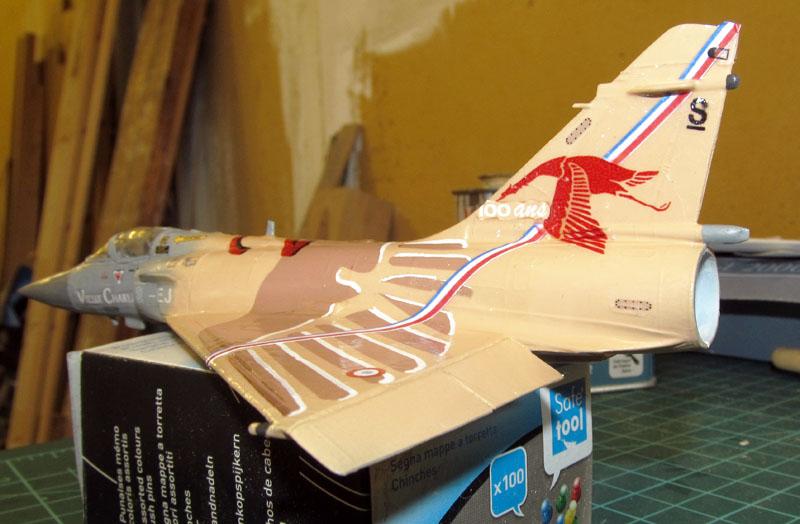 """Mirage 2000-5 """"Vieux Charles"""" au 1/72 17080405270418121215199769"""