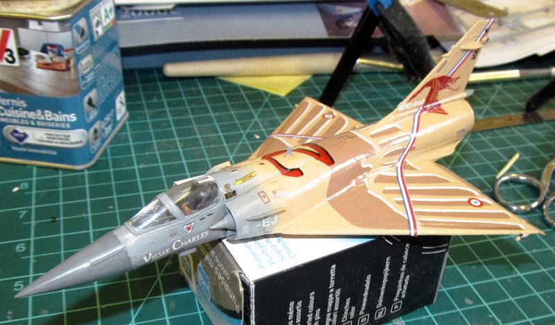 """Mirage 2000-5 """"Vieux Charles"""" au 1/72 17080405270618121215199770"""