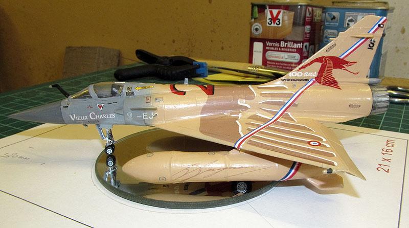 """Mirage 2000-5 """"Vieux Charles"""" au 1/72 17080505305018121215201644"""