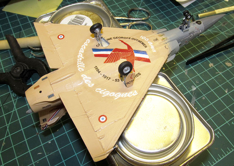 """Mirage 2000-5 """"Vieux Charles"""" au 1/72 17080512394818121215201245"""