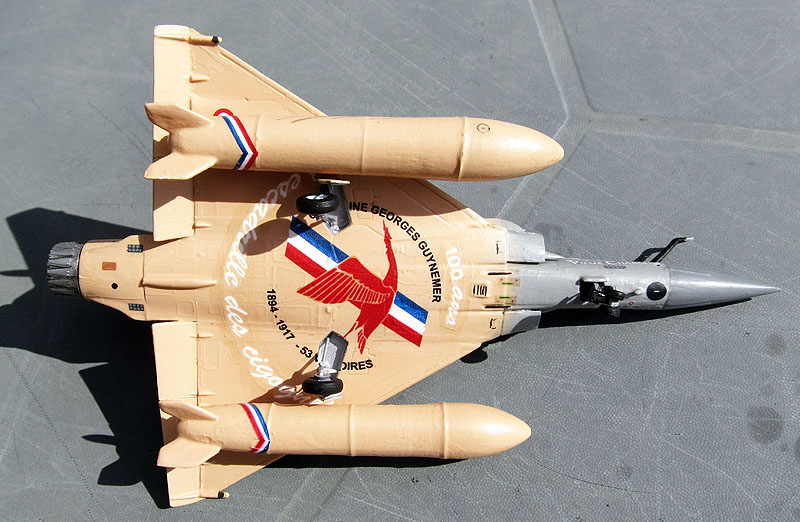 "Mirage 2000-5 ""Vieux Charles"" au 1/72 - Page 2 17080805492618121215208578"
