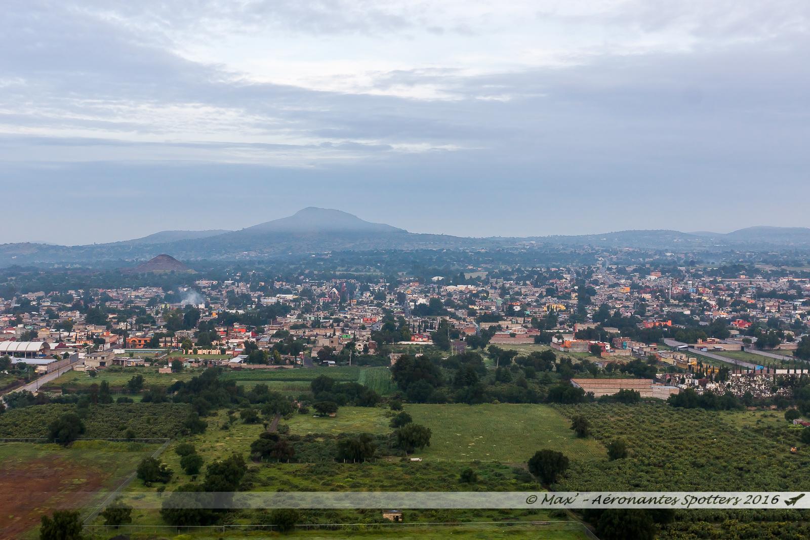 Montgolfière à Teotihuacan 17080902110123197615209576