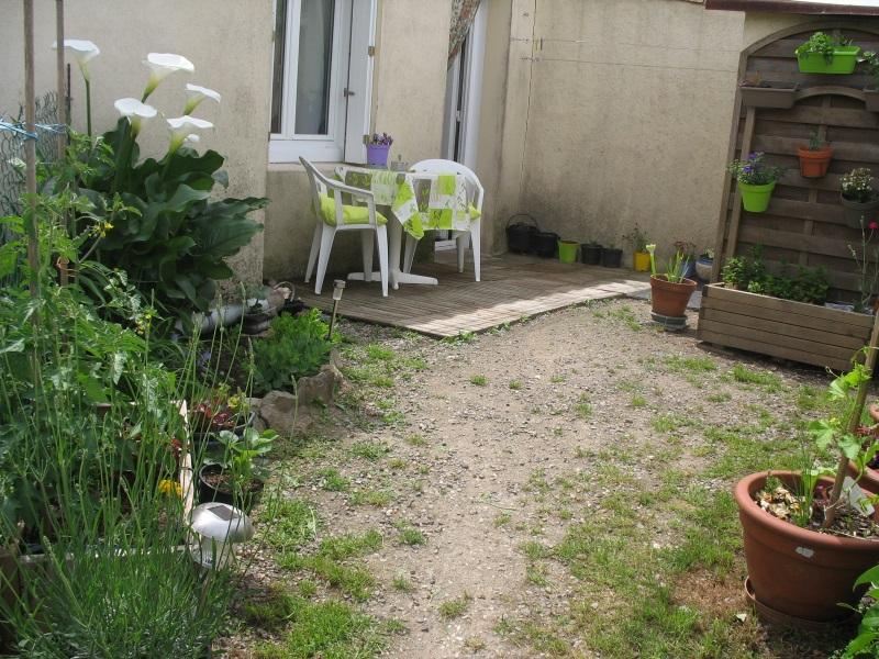 Au Pied de la Fontaine - Page 2 17082205141621150515234070