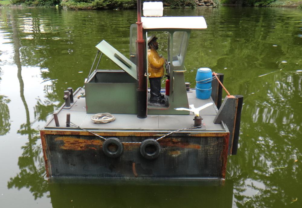 Petit pushboat motorflote par Wadone 17091311070616507315267069