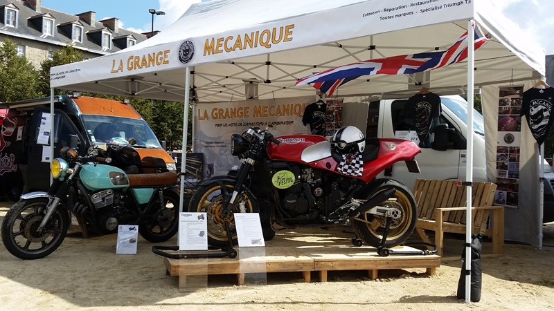 2 me rassemblement motos atypiques nantes 44 suzuki airhuile. Black Bedroom Furniture Sets. Home Design Ideas