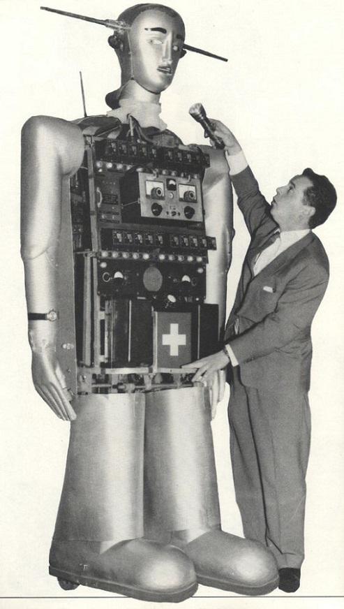 ROBOTIKMACHINE - Le robot interviewé  dans Robotikmachine 17112307354815263615382394