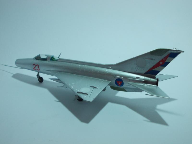 MiG-21 F-13 (Trumpeter 1/48) 17120107032810194415396296