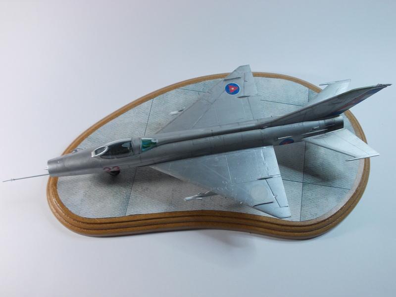 MiG-21 F-13 (Trumpeter 1/48) 17120301245910194415399369