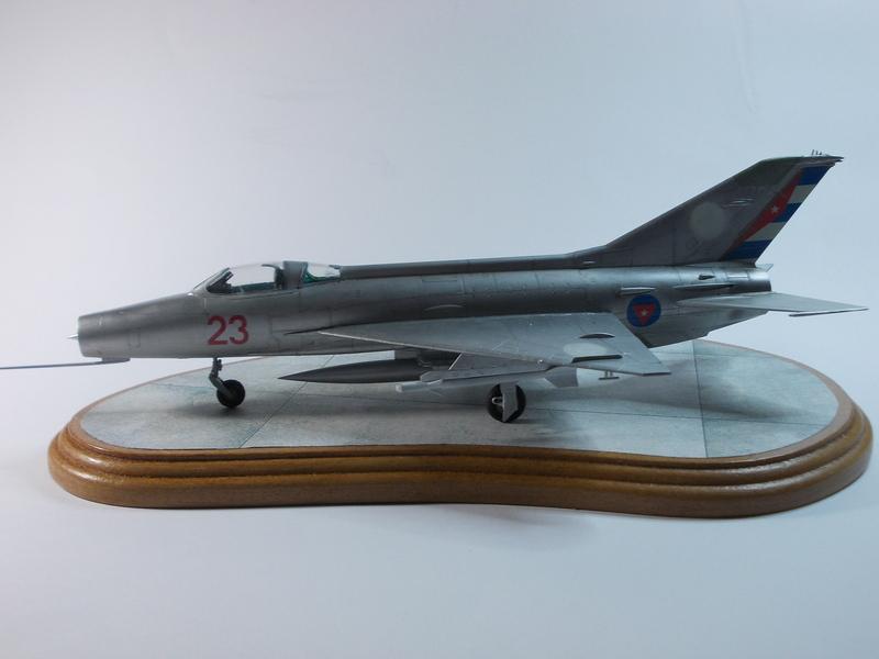MiG-21 F-13 (Trumpeter 1/48) 17120301253910194415399371