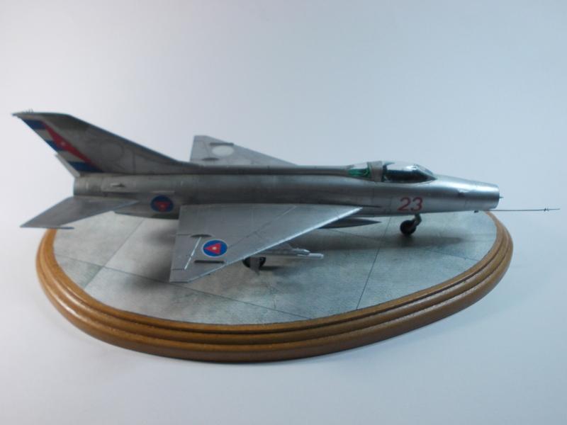MiG-21 F-13 (Trumpeter 1/48) 17120301261110194415399372