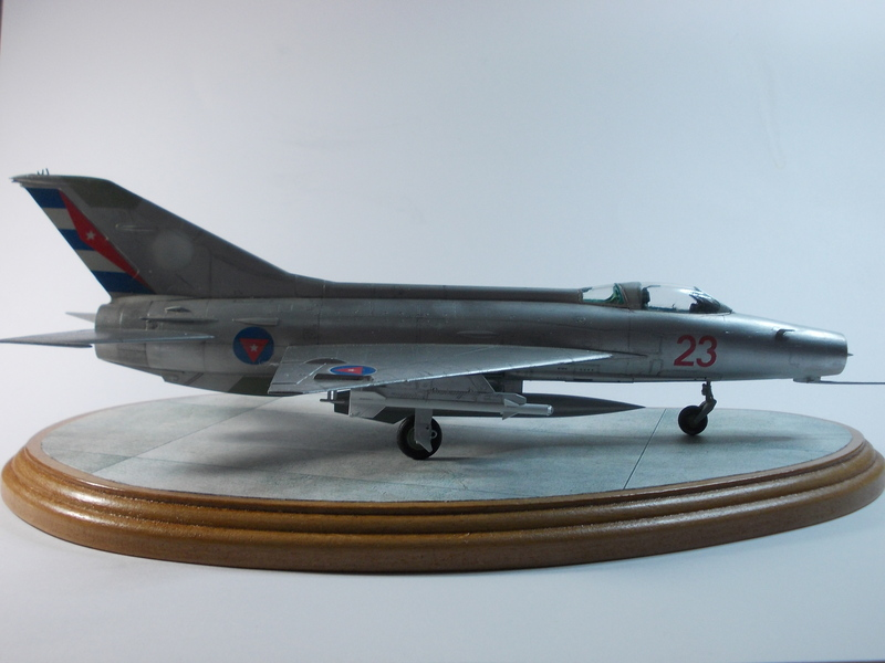 MiG-21 F-13 (Trumpeter 1/48) 17120301263910194415399373
