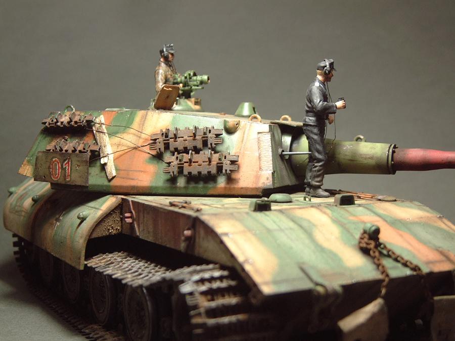 E-100 Super Heavy  Tank - 1/35e [Trumpeter] 1712280201354769015427661