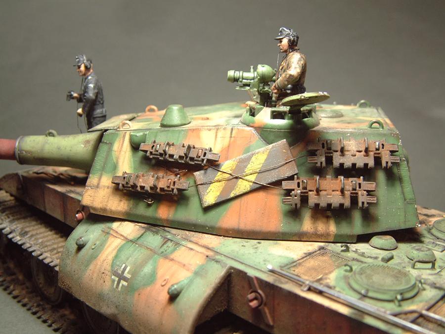 E-100 Super Heavy  Tank - 1/35e [Trumpeter] 1712280202014769015427666