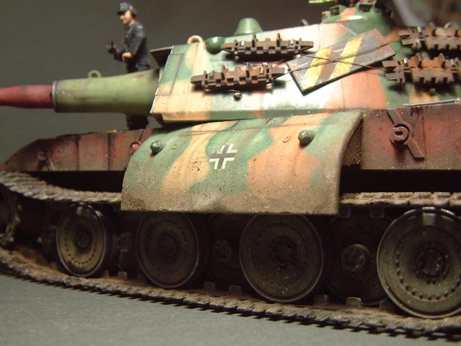 E-100 Super Heavy  Tank - 1/35e [Trumpeter] 1712280203274769015427672