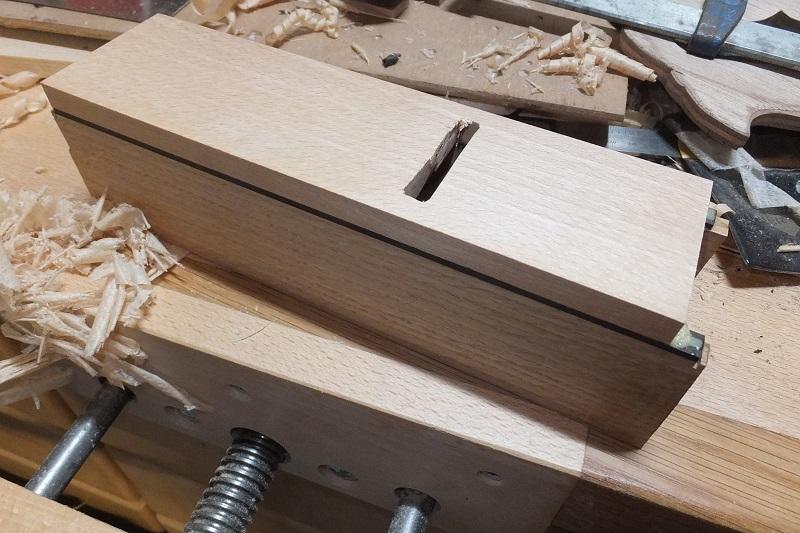 Restauration ? Fabrication d'un petit rabot en bois  17122909402618313815430785