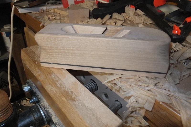 Restauration ? Fabrication d'un petit rabot en bois  17123011105118313815431740