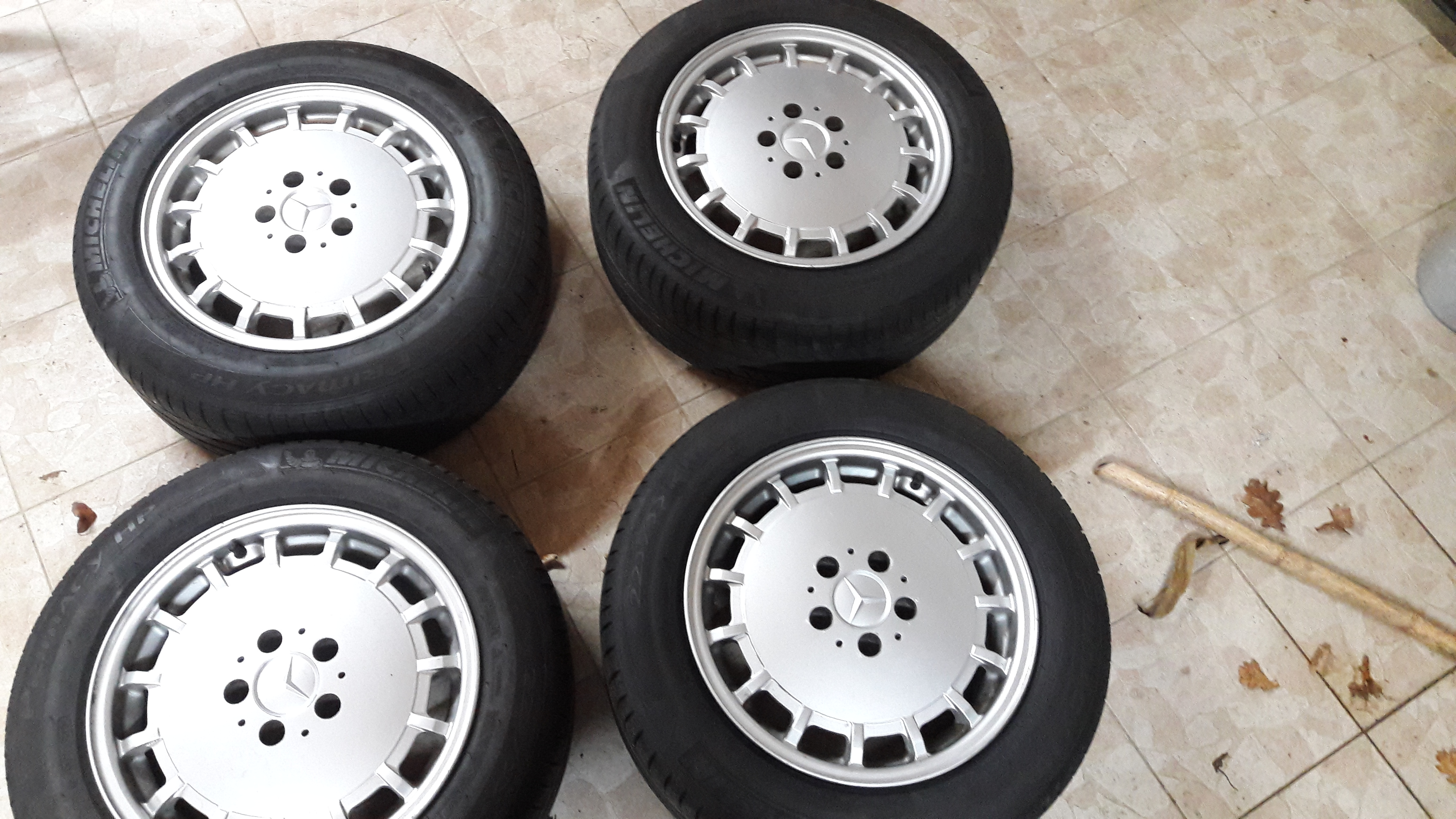 "Jantes Mercedes Gullideckel 16"" avec pneus 17123112175123497615432095"