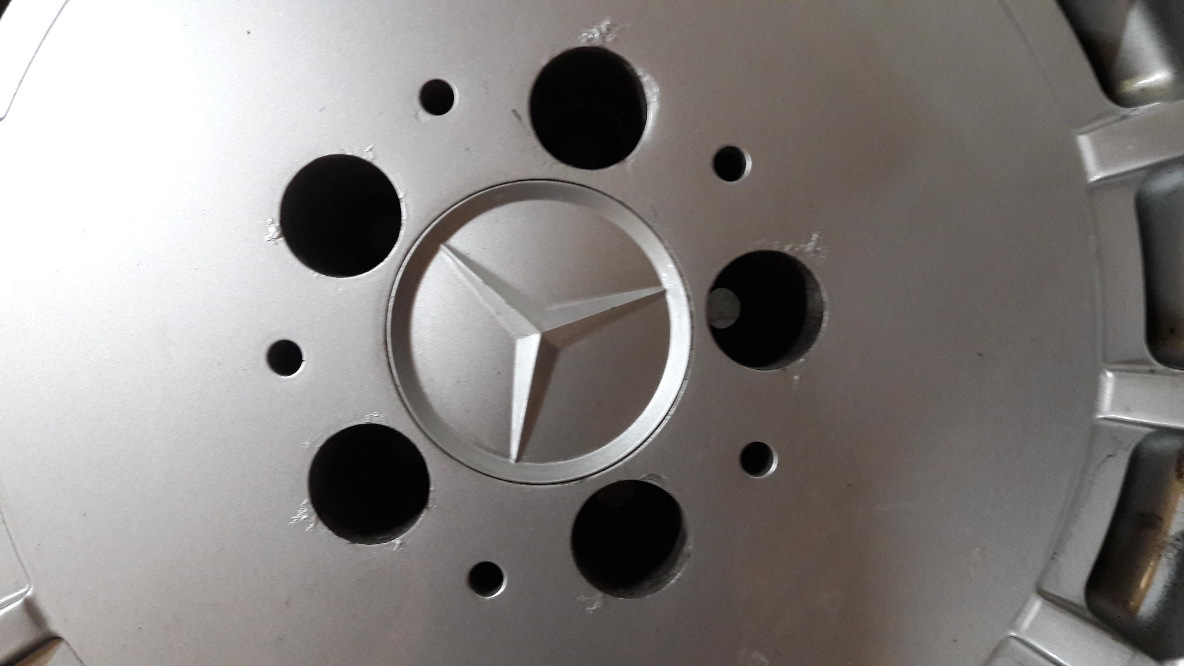 "Jantes Mercedes Gullideckel 16"" avec pneus 17123112190623497615432103"