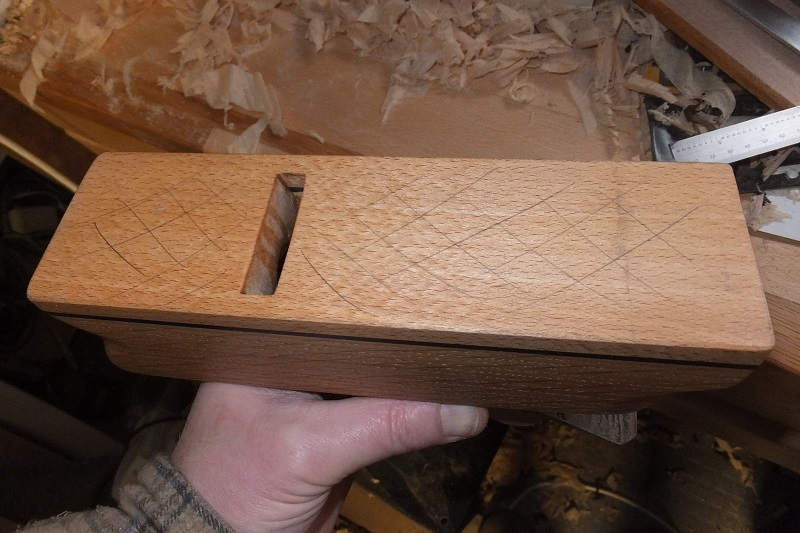 Restauration ? Fabrication d'un petit rabot en bois  18010109152418313815433799